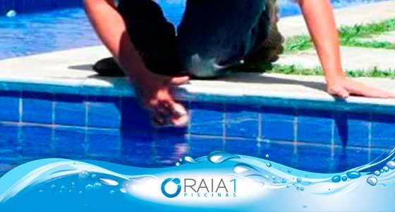 limpeza após obra na borda da piscina
