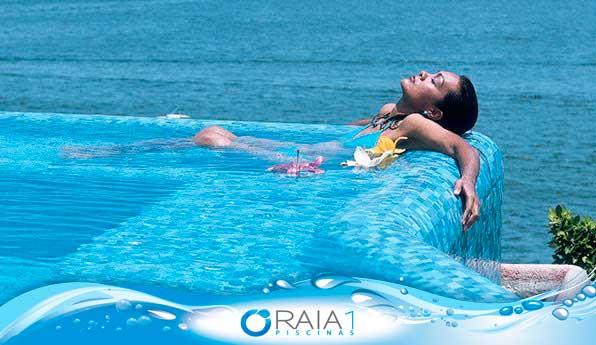 Garantindo que a piscina fique limpa durante o verão